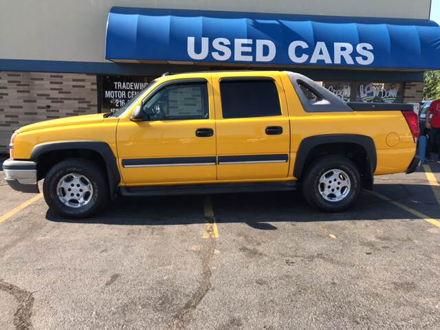 2003 Chevrolet Avalanche for sale at TRADEWINDS MOTOR CENTER LLC in Cleveland OH