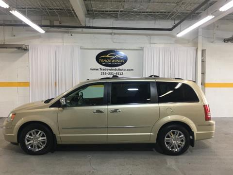 2010 Chrysler Town and Country for sale in Cleveland, OH
