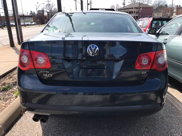 2006 Volkswagen Jetta for sale at TRADEWINDS MOTOR CENTER LLC in Cleveland OH