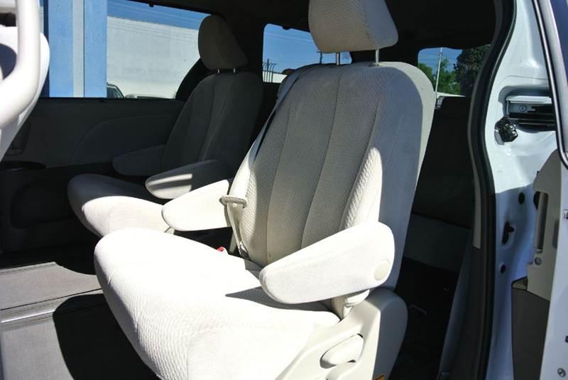 2013 Toyota Sienna LE 8-Passenger 4dr Mini-Van - South El Monte CA