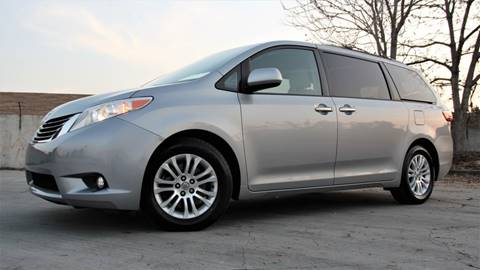 2015 Toyota Sienna for sale at New City Auto - Retail Inventory in South El Monte CA