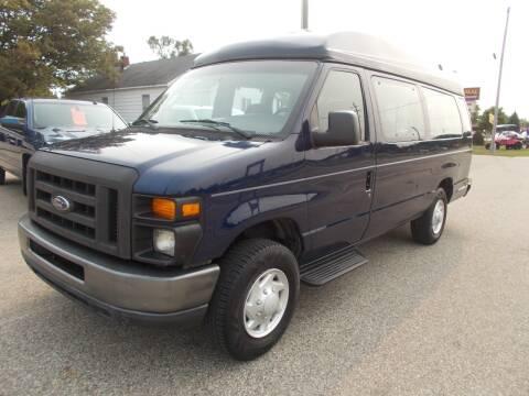 2008 Ford E-Series Wagon for sale at Jenison Auto Sales in Jenison MI