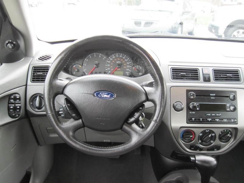 2005 Ford Focus ZX4 SE 4dr Sedan - Jenison MI