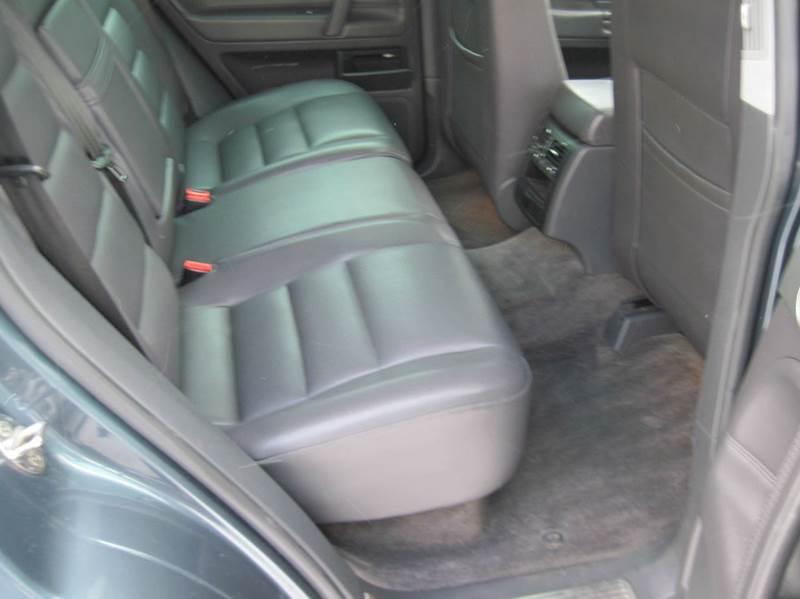 2005 Volkswagen Touareg AWD V6 4dr SUV - Jenison MI