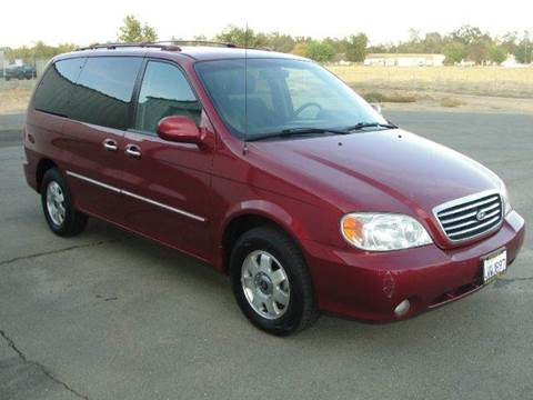 2002 Kia Sedona for sale at PRICE TIME AUTO SALES in Sacramento CA
