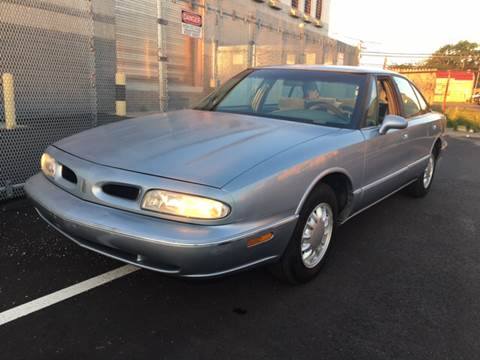 1996 Oldsmobile Eighty-Eight for sale in Island Park, NY