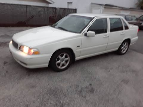 1998 Volvo S70 for sale in Island Park, NY