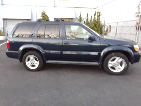 2003 Infiniti QX4 for sale in Island Park, NY
