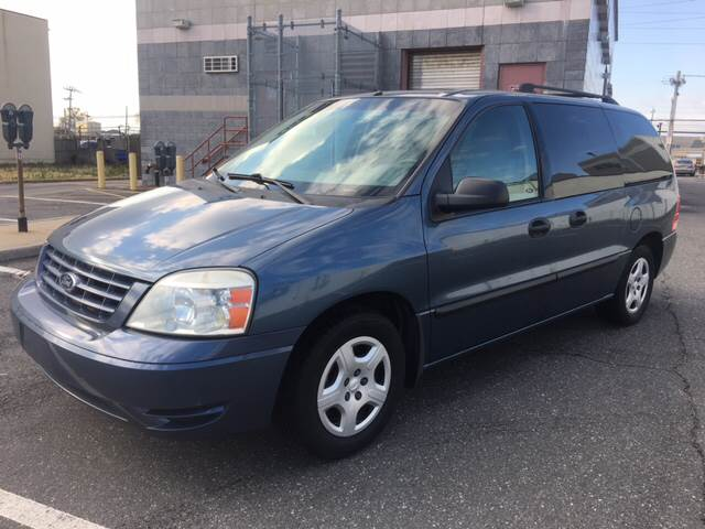 2006 Ford Freestar SE 4dr Mini Van In Island Park NY