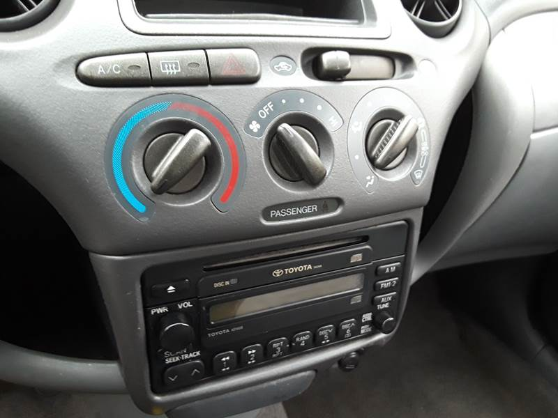 toyota echo radio wont turn on