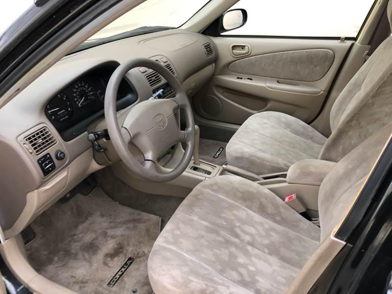 2000 Toyota Corolla LE (image 7)