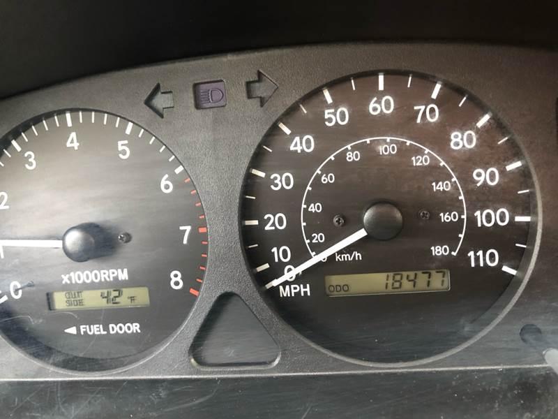 2000 Toyota Corolla LE (image 10)
