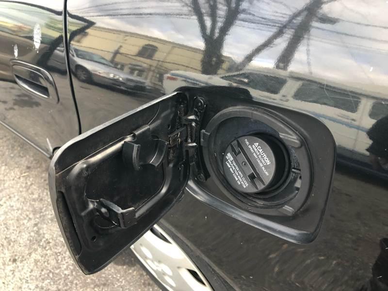 2000 Toyota Corolla LE (image 12)