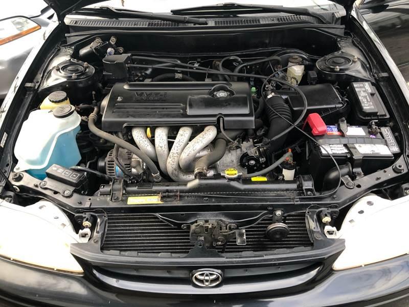 2000 Toyota Corolla LE (image 15)