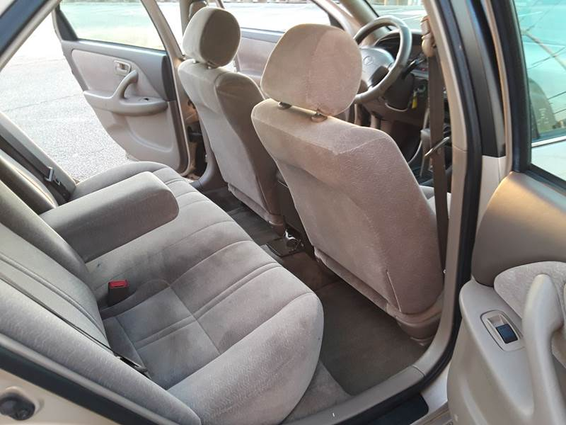 1997 Toyota Camry LE (image 4)