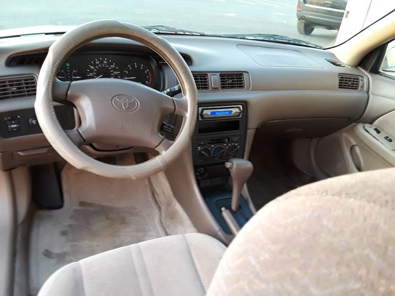 1997 Toyota Camry LE (image 7)