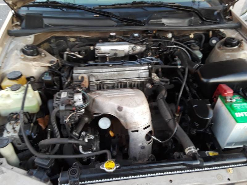 1997 Toyota Camry LE (image 5)