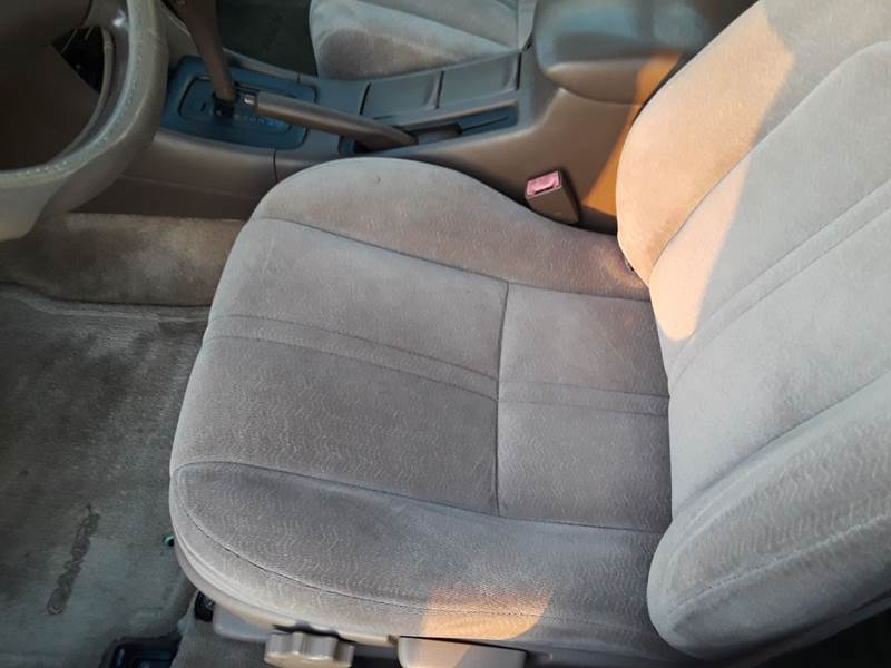 1997 Toyota Camry LE (image 18)