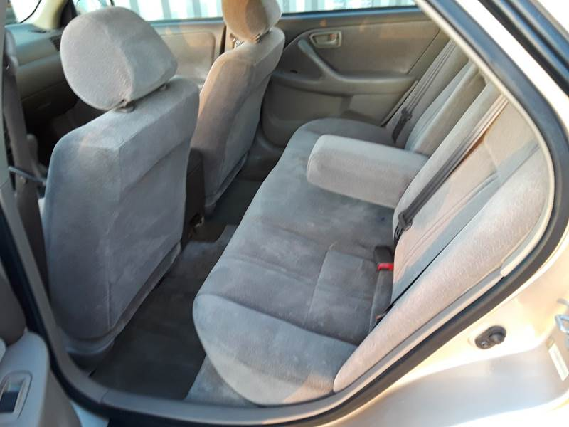 1997 Toyota Camry LE (image 20)