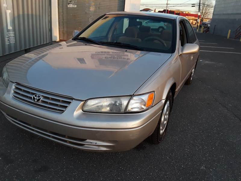 1997 Toyota Camry LE (image 42)