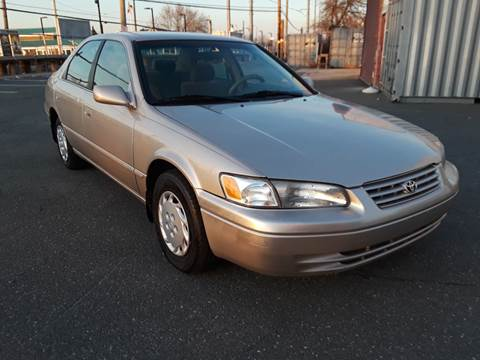 1997 Toyota Camry LE for sale at Autos Under 5000 + JR Transporting in Island Park NY