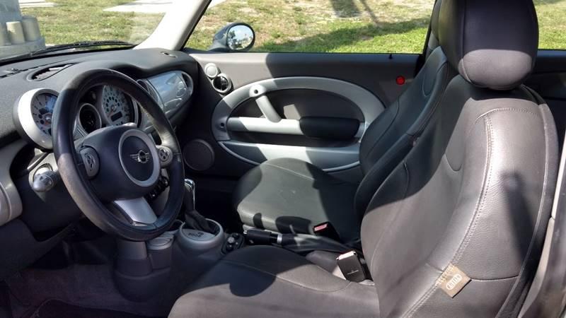 2004 MINI Cooper 2dr Hatchback - Riverview FL