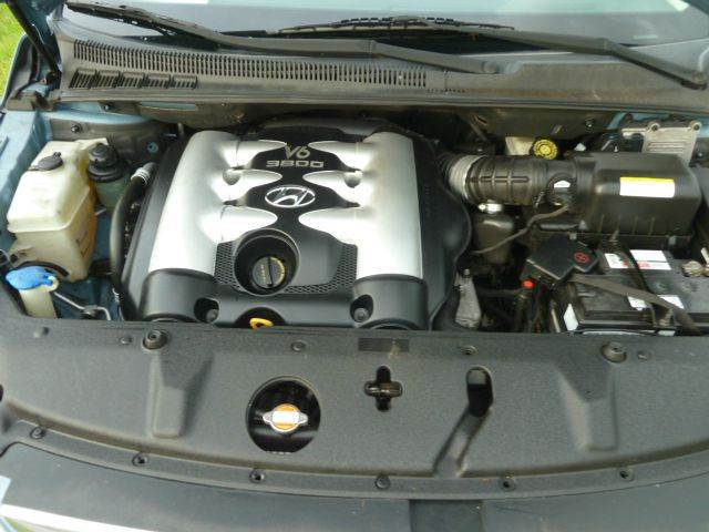 2007 Hyundai Entourage SE 4dr Minivan - Riverview FL