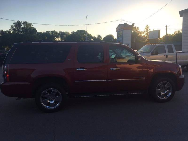 2011 GMC Yukon XL for sale at Twin City Motors in Grand Forks ND