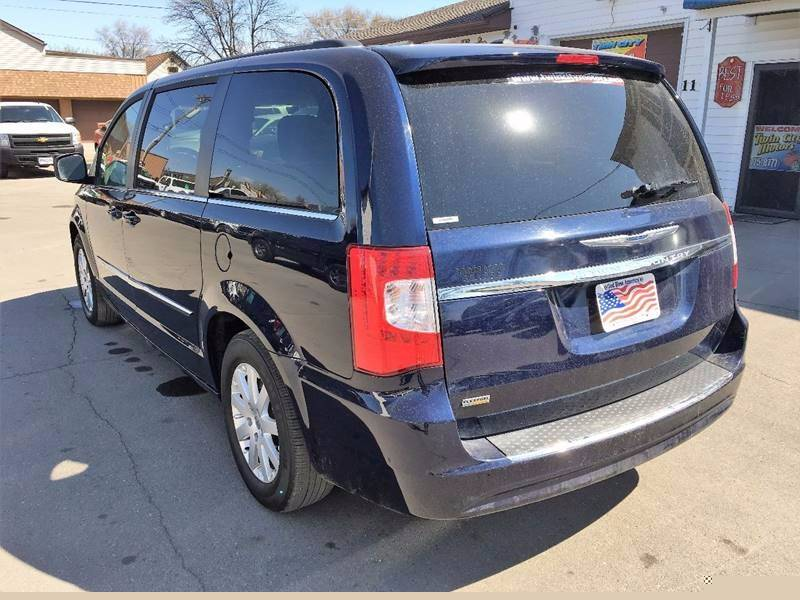 2016 Chrysler Town and Country for sale at Twin City Motors in Grand Forks ND