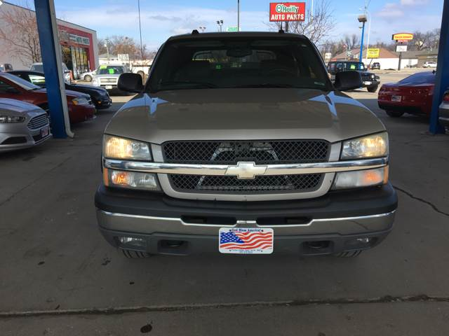 2004 Chevrolet Avalanche for sale at Twin City Motors in Grand Forks ND