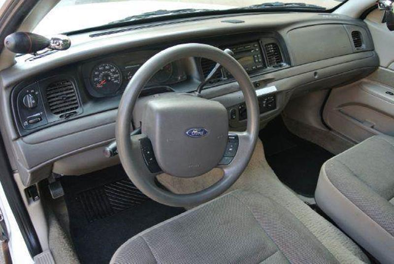 2008 Ford Crown Victoria for sale at 1 Owner Car Guy in Stevensville MT