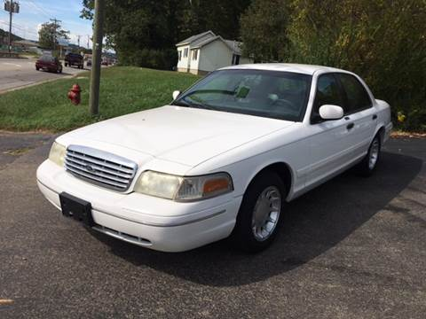 2000 Ford Crown Victoria for sale in Nelsonville, OH
