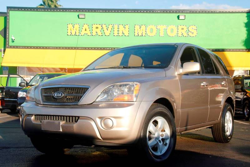 2007 KIA SORENTO LX champagne the paint is in great shape and condition no dings are visible on