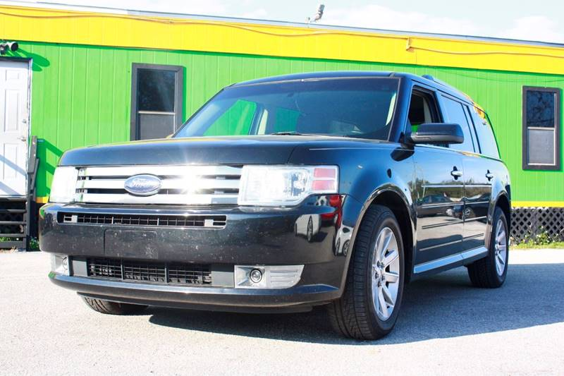 2010 FORD FLEX SEL 4DR CROSSOVER black the front windshield is in excellent condition the paint