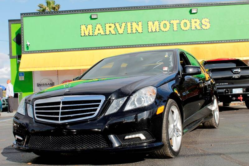 2011 MERCEDES-BENZ E-CLASS E350 LUXURY 4DR SEDAN black the front windshield is in excellent condi