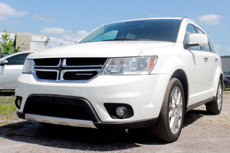 2012 DODGE JOURNEY CREW white the front windshield is in excellent condition the paint is in grea