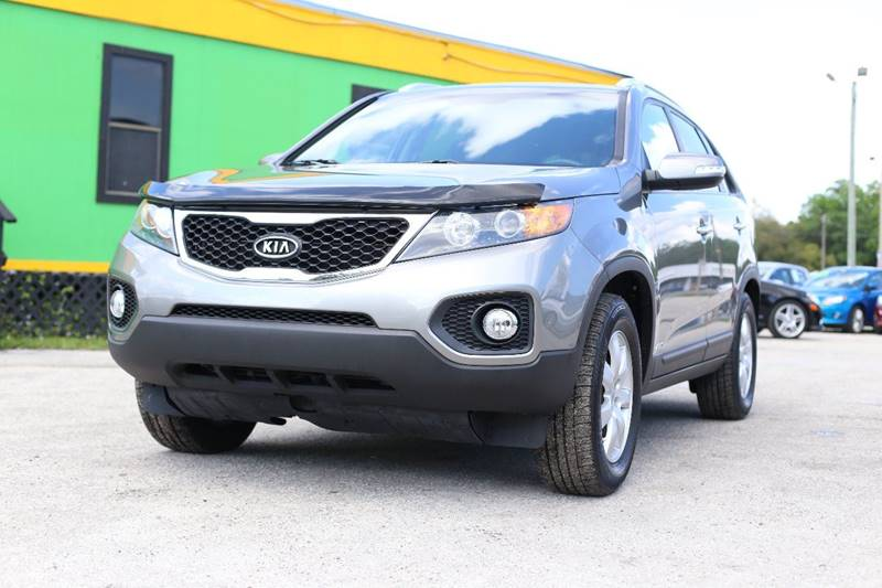 2013 KIA SORENTO LX AWD 4DR SUV silver the front windshield is in excellent condition the paint i