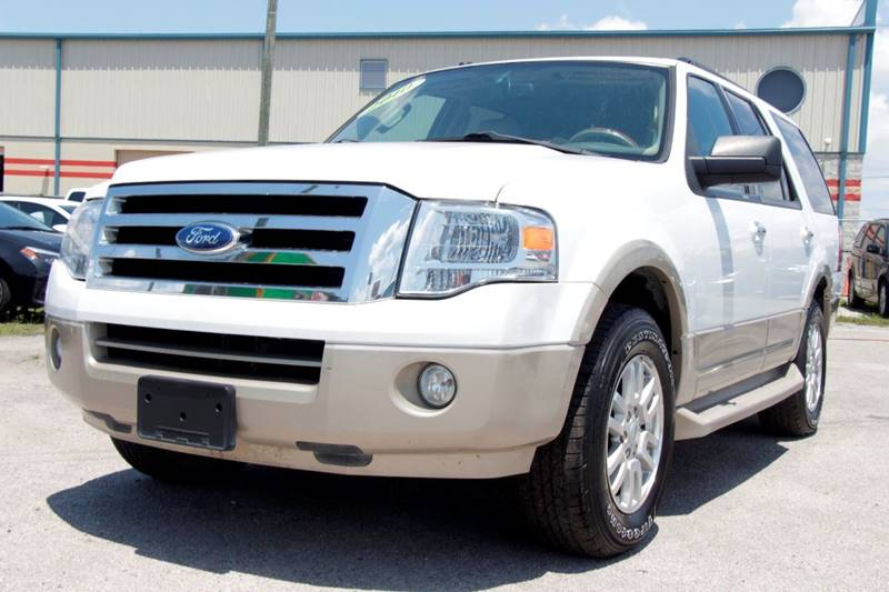 2010 FORD EXPEDITION EDDIE BAUER 4X2 4DR SUV white the front windshield is in excellent condition