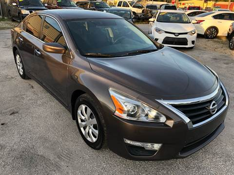 2015 Nissan Altima for sale at Marvin Motors in Kissimmee FL