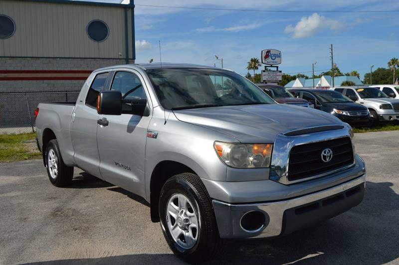 2007 TOYOTA TUNDRA SR5 4DR DOUBLE CAB SB 57L V8 silver there are no electrical problems with t