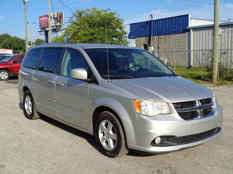 2011 DODGE GRAND CARAVAN CREW 4DR MINI VAN silver the front windshield is in excellent condition