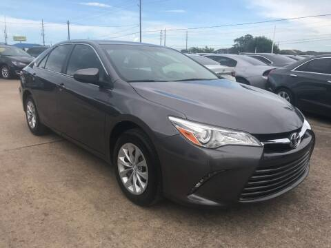 2017 Toyota Camry for sale at Discount Auto Company in Houston TX