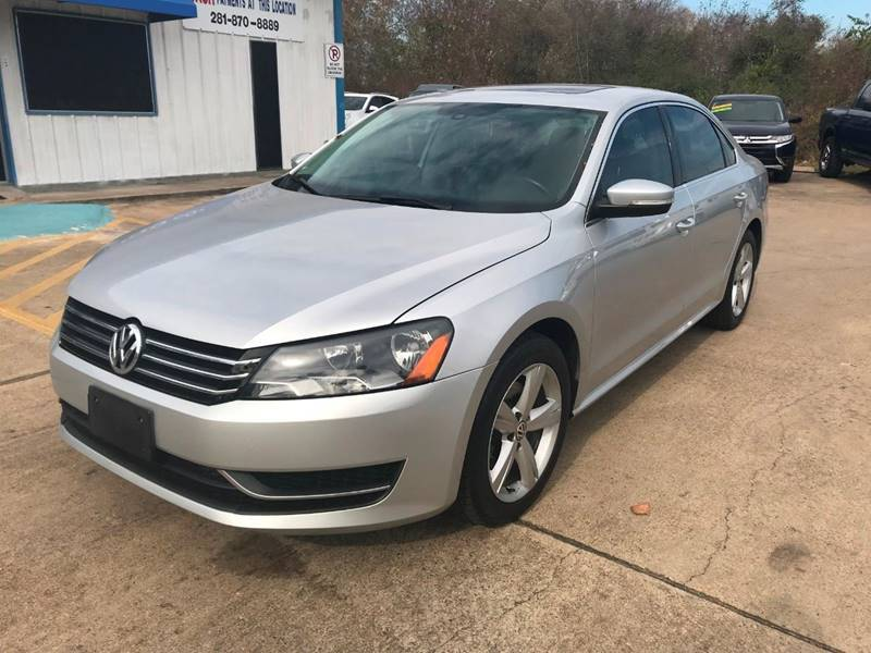 2013 Volkswagen Passat for sale at Discount Auto Company in Houston TX