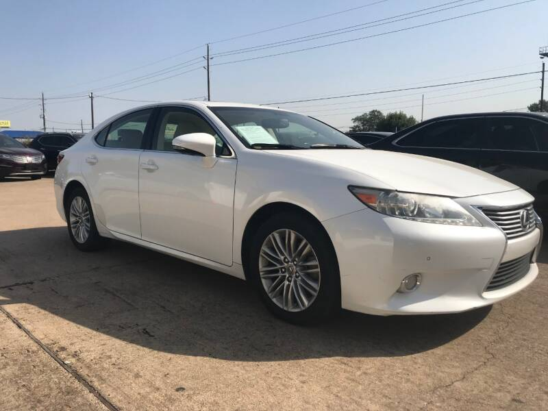 2013 Lexus ES 350 for sale at Discount Auto Company in Houston TX