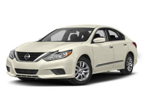 2017 Nissan Altima for sale at ROGERS-DABBS CHEVROLET in Brandon MS