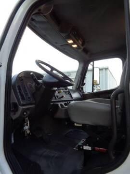 2008 Freightliner M2 106