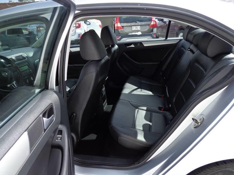 2014 Volkswagen Jetta SE PZEV 4dr Sedan 6A w/Connectivity - Portland ME