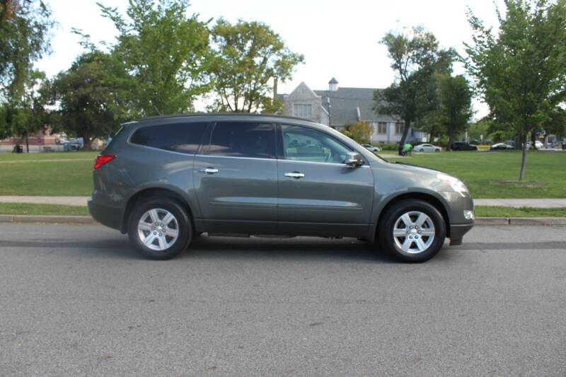 2011 Chevrolet Traverse for sale at Lexington Auto Club in Clifton NJ