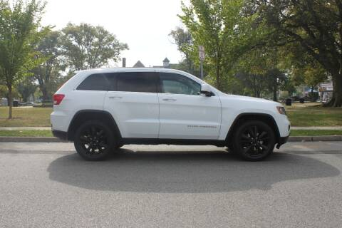 2013 Jeep Grand Cherokee for sale at Lexington Auto Club in Clifton NJ