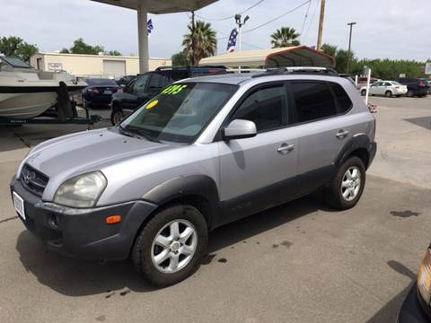 2005 Hyundai Tucson for sale at CONTINENTAL AUTO EXCHANGE in Lemoore CA